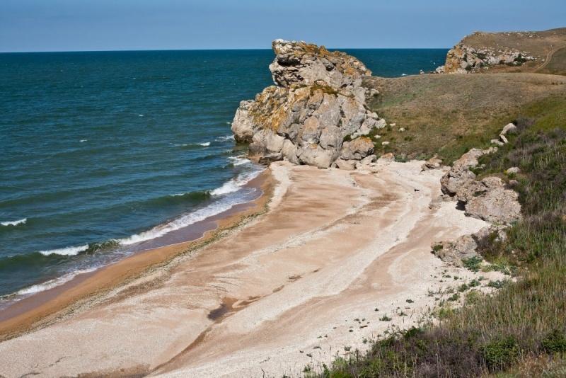 На фото – «Генеральские» пляжи в Крыму